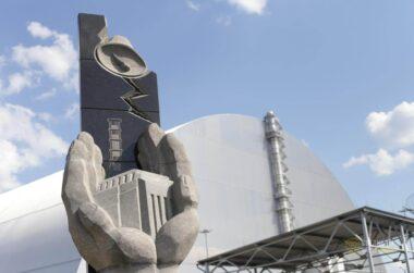 chernobyl sarcophagus chernobylstory.com
